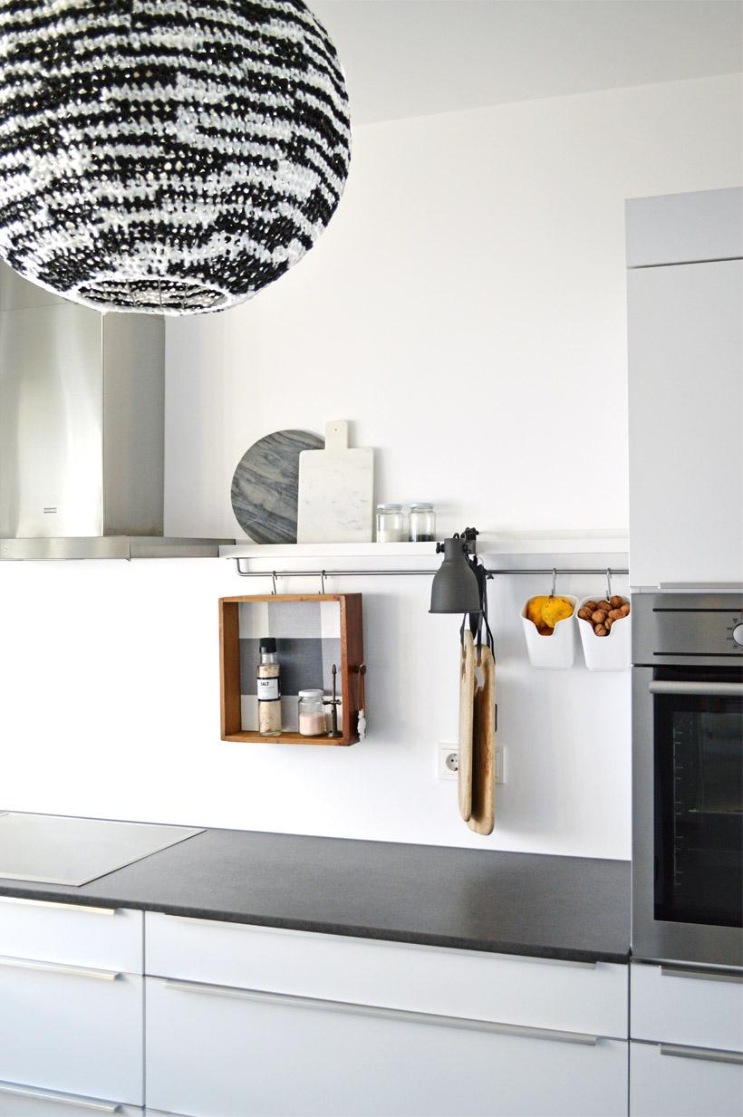 uns stehen rosige zeiten bevor dezentes k chenstyling mit. Black Bedroom Furniture Sets. Home Design Ideas