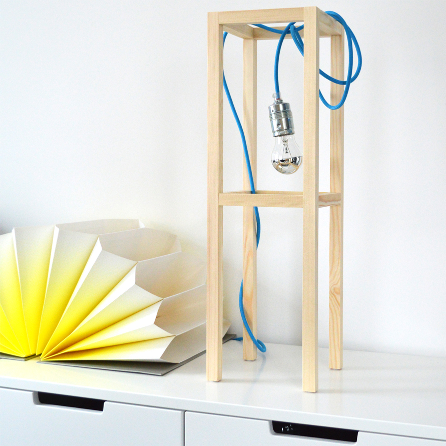 diy nachttisch lampe mit dem sch nsten textilkabel der welt. Black Bedroom Furniture Sets. Home Design Ideas