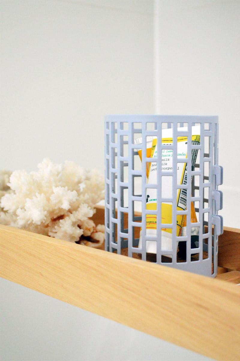 badstyling vorher nacher: deko für badezimmer in rot oder gelb