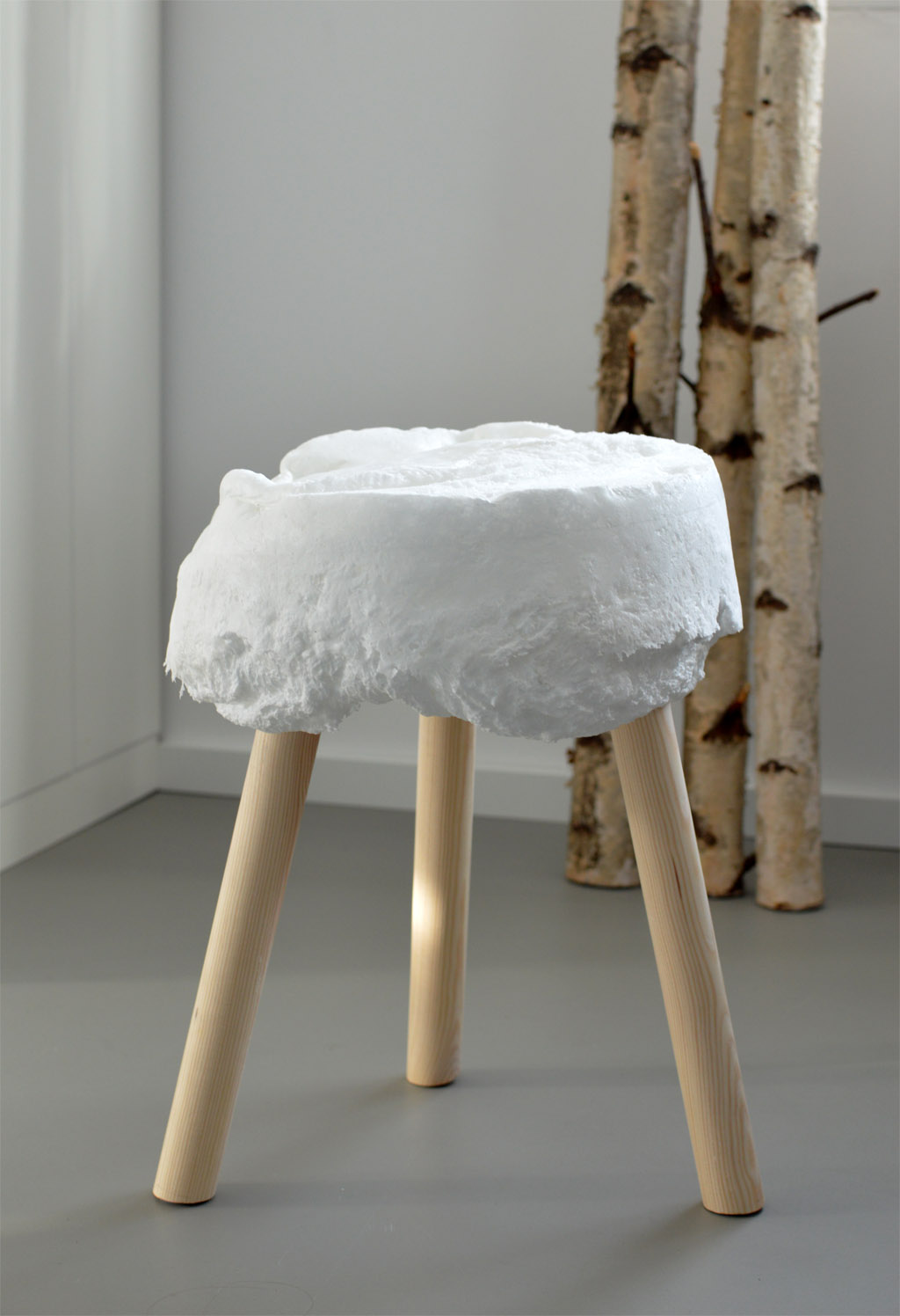 DIY stool expanding foam
