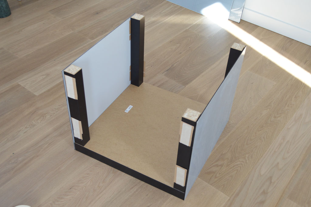 ikea hack lack table with plexiglas ikea hack lack tisch mit plexiglas. Black Bedroom Furniture Sets. Home Design Ideas