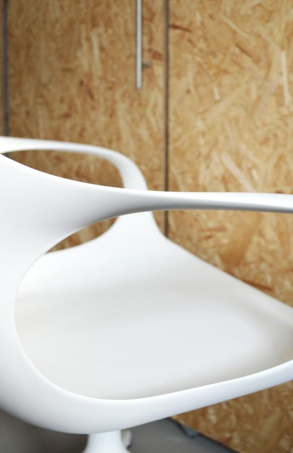 Kristalia Elephant Chair bequemer Stuhl Connox (1)
