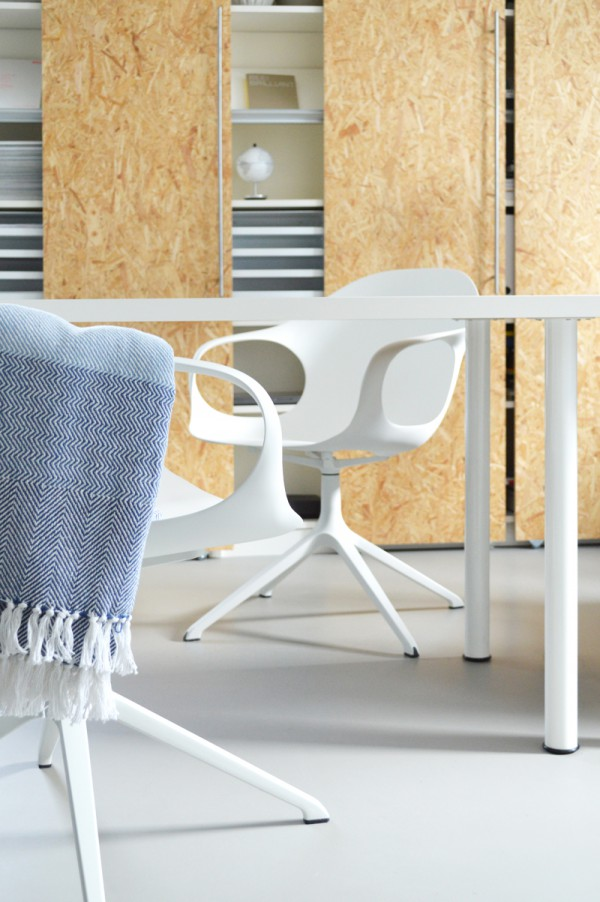 Kristalia Elephant Chair bequemer Stuhl Connox (3)