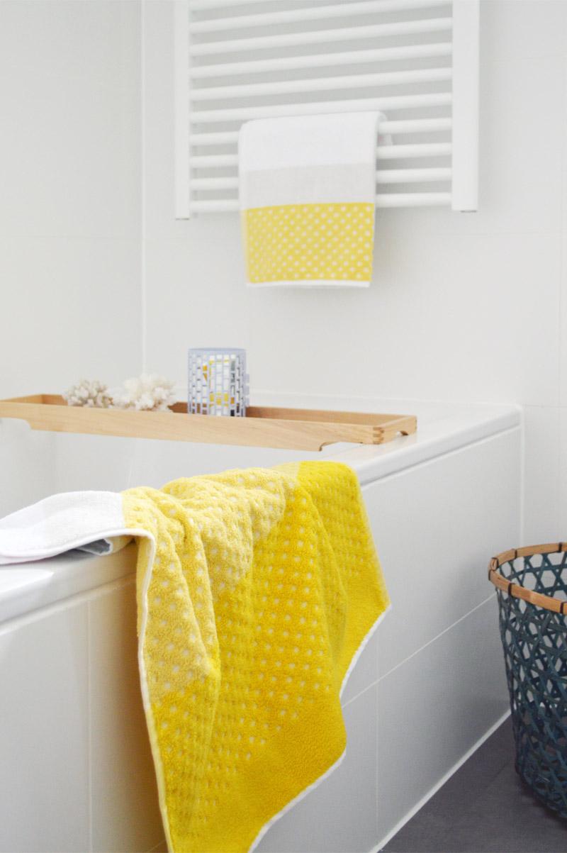 Badstyling Vorher Nacher Deko Fur Badezimmer In Rot Oder Gelb